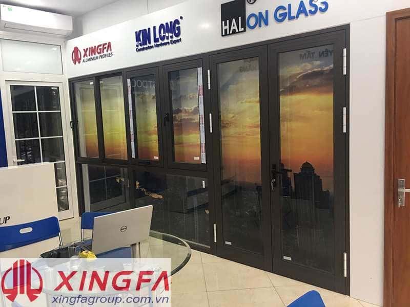 Cửa nhôm xingfa màu nâu cafe tại Showroom của Xingfa Glass