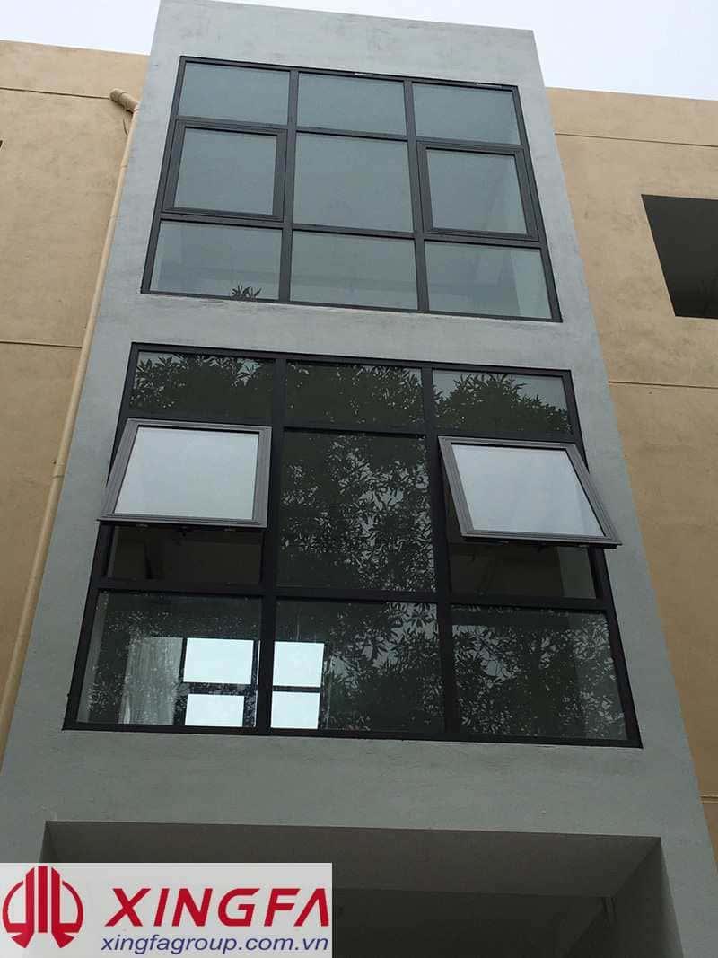 Cửa sổ mở hất kết hợp Fix dùng hệ đảo khuôn nhôm xingfa