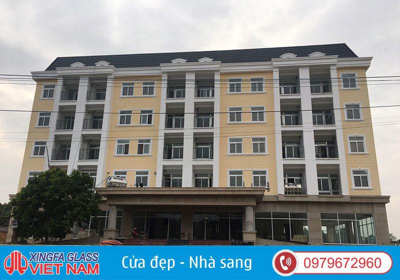 Trụ Sở UBND Xã Hợp Châu Vĩnh Phúc Sử Dụng Cửa Nhôm PMA Màu Trắng