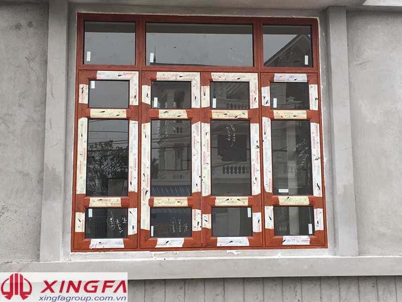 Cửa sổ nhôm xingfa màu vân gỗ – Kiểu cửa sổ mở quay