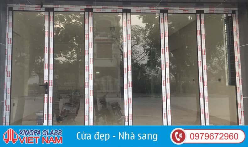 Cửa Đi Mở Xếp Gấp 6 Cánh Kieur 5-1 Nhôm Xingfa Hệ 63 Màu Cafe