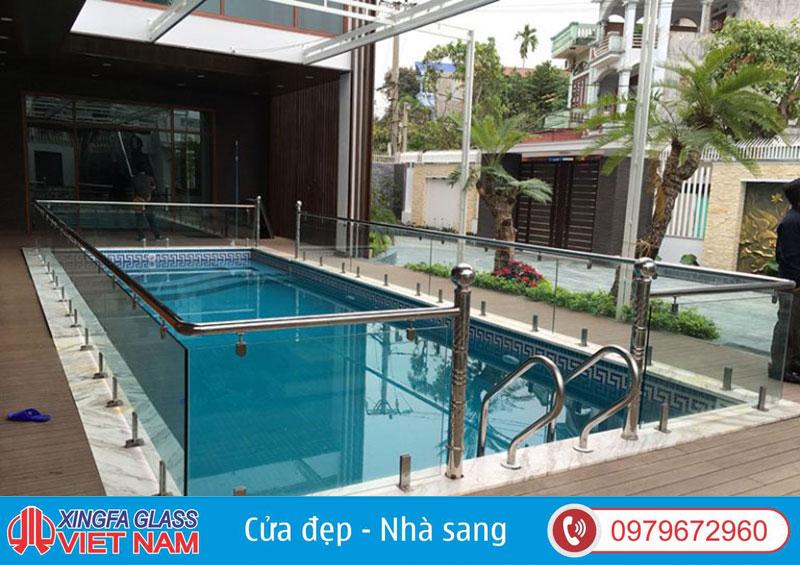 Hệ Lan Can Bể Bơi Sử Dụng Kính Cường Lực 12LY