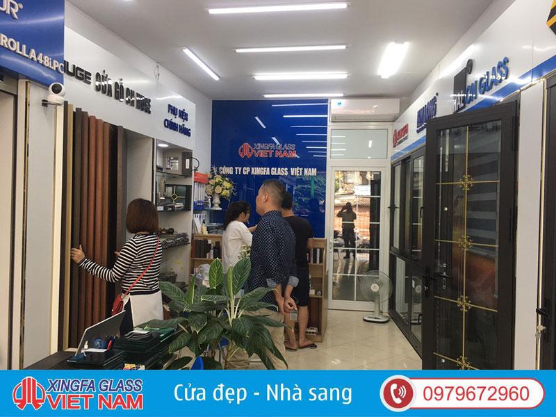 Showroom cửa nhôm cầu cách nhiệt