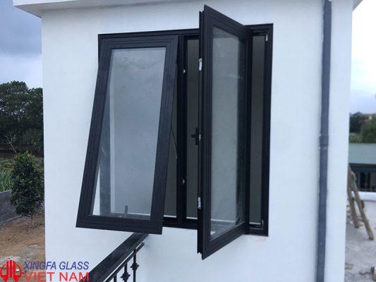 cửa nhôm xingfa màu đen