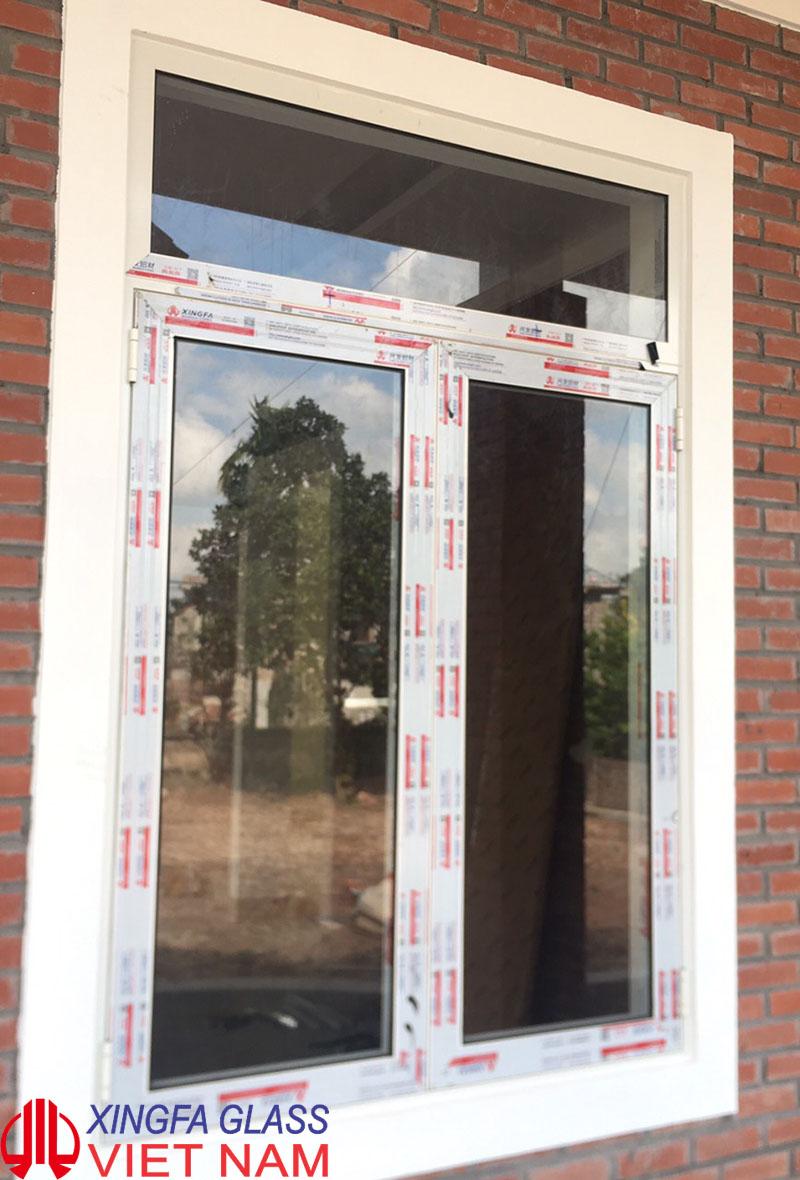 Cửa sổ mở quay hai cánh nhôm xingfa hệ 55