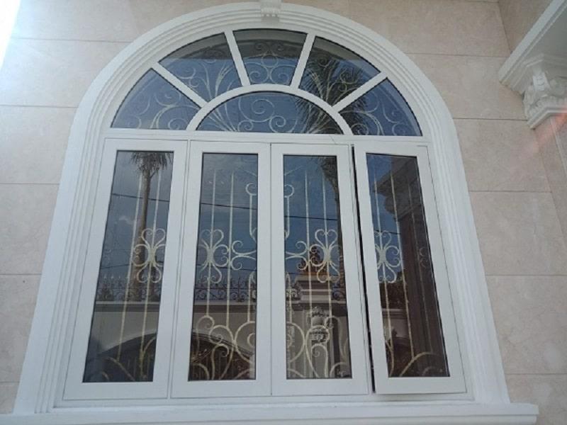 Những đặc điểm tiêu biểu khiến cửa vòm nhôm kính là sản phẩm được nhiều người lựa chọn