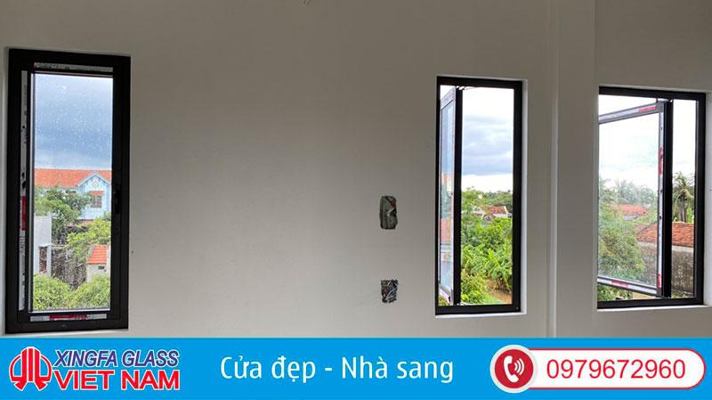 Cửa Sổ Mở Quay 1 Cánh Nhôm Xingfa Tem Đỏ
