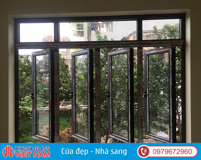 cửa sổ xingfa 4 cánh kết hợp vách
